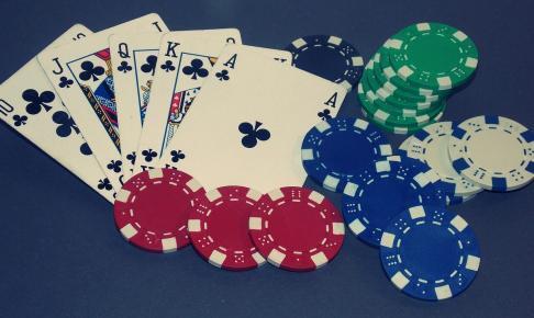 poker 2198117 1280 486x290 - 【2020年最新版】おすすめのオンラインカジノ25選!最も稼げるカジノを探して比較してみた