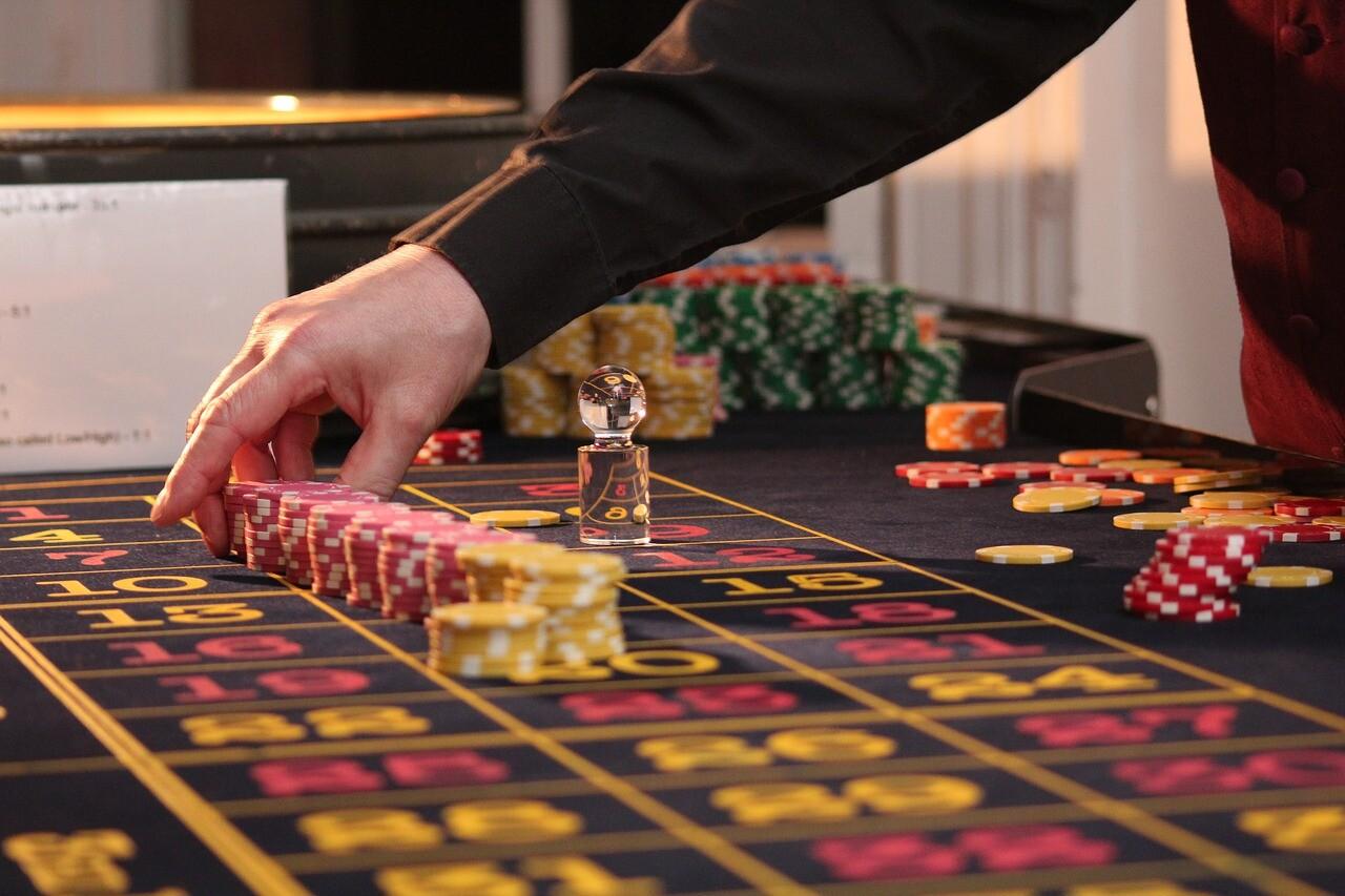 roulette 2246562 1280 - 【2020年最新版】エンパイア777カジノの評判はどうなの?危険?メリット・デメリットをまとめてみた。