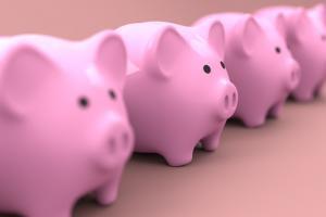 piggy 2889044 1280 300x200 - LINEスマート投資の「ワンコイン投資」とは?実際に運用して検証してみた。