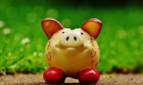 piggy bank 1429583 1280 486x290 - LINEスマート投資の途中解約は可能か?積立て金額の増額・減額・停止方法をまとめてみた。