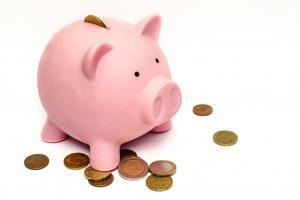 piggy bank 970340 1280 300x200 - LINEスマート投資のテーマ投資とは?種類と選び方のコツ・2019年おすすめテーマ3選をご紹介!