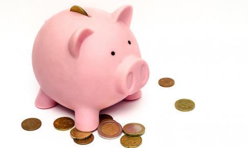 piggy bank 970340 1280 486x290 - 今話題のLINEスマート投資の「カジノ解禁」のテーマに投資して検証結果まとめてみた。