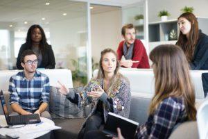 workplace 1245776 1280 300x200 - 【現役社長が教える!】共同作業やグループワークをする際にリーダーが心得るべきこと