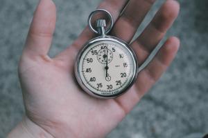 753e7a7ab8c0793ad6ba2cb64ea80220 300x200 - 『時間がない…』は幻!実は〇時間もある隙間時間を活用すればブログ更新は可能!