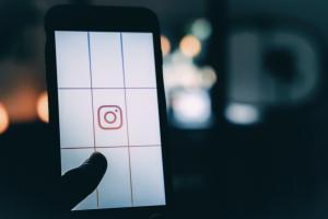 83d58426dd75cb010afdc7dcc2ee56b4 300x200 - Instagramの埋め込み方!WordPressブログにインスタ写真を簡単に埋め込むには?